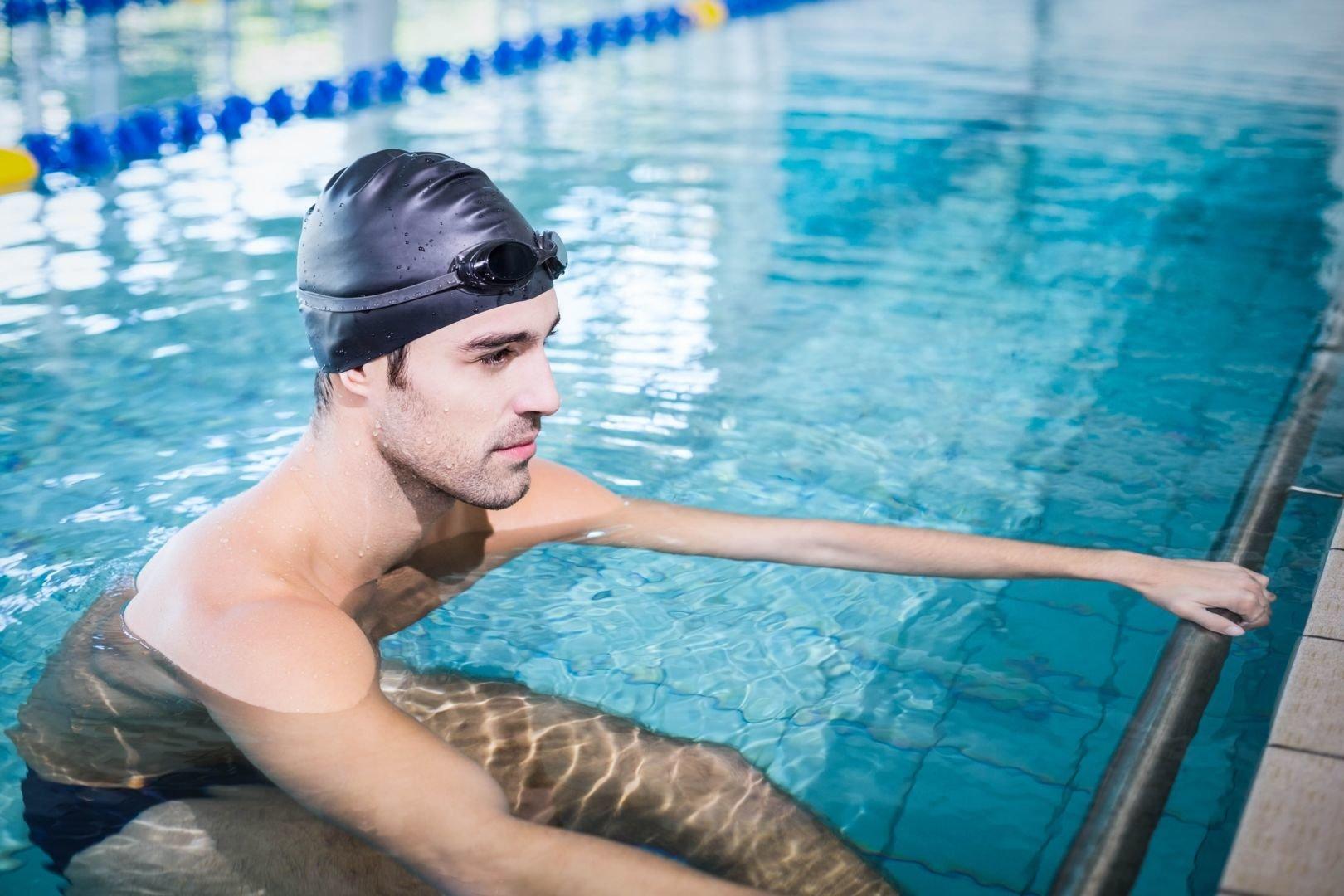 Schwimmer Rücken Depositphotos_98246188_original.jpg